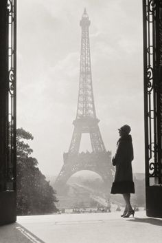 Palais de Chaillot, vue sur la Tour Eiffel, Paris, années 30