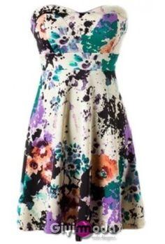 Floral dress Fashion / Moda | Big Fashion Show floral dresses Floral Dress  #topdress #duongdayslook #FloralDress #Floral #Dresses #womenfashion  www.2dayslook.com