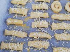 Αλμυρά κουλουράκια (μπατόν σαλέ) συνταγή από Foyla Doda - Cookpad Dairy, Cheese, Food, Meal, Essen