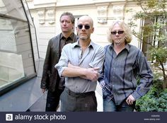 R.E.M, Michael Stipe, Peter Buck and Mike MillsOfficials says the end Stock Photo, Royalty Free Image: 156861038 - Alamy