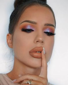 Eyes: Huda beauty desert dusk eyeshadow palette #makeup #beauty #ad