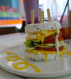 It's Good Tasty ! when i was taste first and came as a surprise to me ! Korean Fusion Deli ' Rice Cake Sandwich ' @ Jaiso, Samseong-dong, Korea / Pic by Anna Rice Sandwich Recipe, Sandwich Recipes, Rice Cakes, Deli, Real Food Recipes, Hamburger, Sandwiches, Brunch, Anna