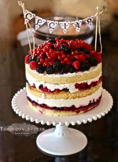 Discover recipes, home ideas, style inspiration and other ideas to try. Birthday Cheesecake, Christmas Cheesecake, Pumpkin Cheesecake Recipes, Dessert Recipes, Lemon Cheesecake, Strawberry Cheesecake, Cheesecake Bars, Pretty Cakes, Cute Cakes