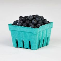 Berry Plants, Berry Baskets, Fresh Image, Planting Seeds, Plastic Laundry Basket, Farmers Market, Blueberry, Berries, Fiber