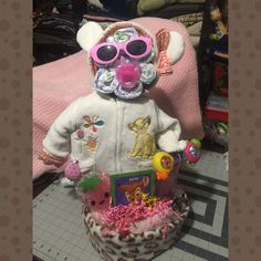 Girl lion king diaper cake 0-3,month jacket embroidered with lion ears hoodie Sunglasses  Bottle  Leopard pink blanket Pacifer Strawberry cold compress Strawberry nail clippers Rattle Bamboo book Diapers all wrap in plastic with ribbon Other
