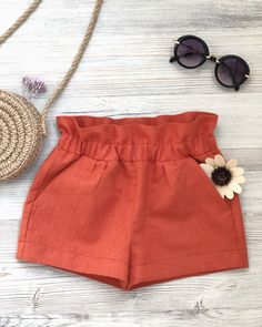 Shop Sexy Trending Dresses – Chic Me offers the best women's fashion Dresses deals Toddler Fashion, Kids Fashion, Fashion Pants, Fashion Outfits, Relaxed Outfit, Cute Outfits For Kids, Little Girl Dresses, Baby Sewing, Baby Dress