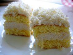 łabędzi puch Krispie Treats, Rice Krispies, Vanilla Cake, Food, Essen, Meals, Rice Krispie Treats, Yemek, Eten
