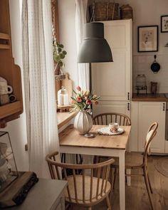 Kitchen Interior, Home Interior Design, Interior Decorating, Küchen Design, House Design, Hygge Home, Cozy Kitchen, Kitchen Ideas, Cozy House
