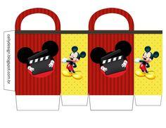 Um Blog com Kits Personalizados gratuitos de vários temas e muitas novidades para sua festa. Mickey Mouse Clubhouse Birthday, Mickey Party, Mickey Mouse Birthday, Minnie Mouse Party, Mouse Parties, Disney Diy, Disney Crafts, Disney Mickey, Mickey Mouse Decorations