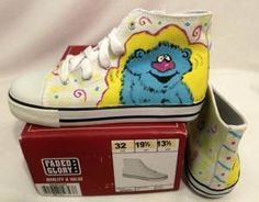 Had so much fun painting this cuddly fella on these sneakers. Give your little one happy feet! They're available on eBay!