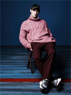 Conrad Leadley wears an oversize sweater for Zara Man's fall-winter 2017 campaign.