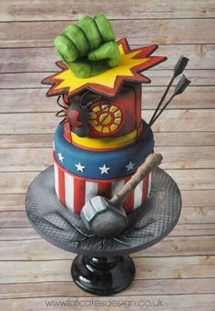 This is the best super hero cake I've seen yet. Whoever made it did an amazing job.