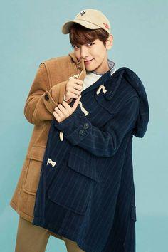 Baekhyun - 150816 Exoplanet - The EXO'luXion in Hong Kong Credit: BlacKaiz. Baekhyun, Park Chanyeol, Exo Ot12, Chanbaek, Kpop Exo, Exo K, Exo Members, Korean Singer, Photoshoot