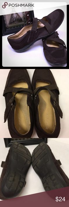 Naturalizer Brown leather shoes Brown leather comfortable shoes in very good condition Naturalizer Shoes Flats & Loafers
