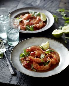 Try this mouthwatering and super nutritious paleo dish from Pete Evans..Tomato and Prawn Curry recipe..preparation is easy..with strong nutritional values..
