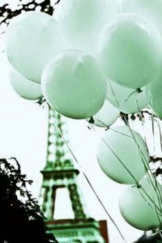 Paris in mint Mint Green Aesthetic, Rainbow Aesthetic, Aesthetic Colors, Aesthetic Images, Aesthetic Collage, Color Menta, Mint Color, Green Colors, Colours