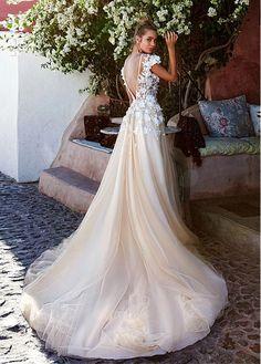 Impressive Tulle & Taffeta Bateau Neckline A-Line Wedding Dresses With 3D Handmade Flowers