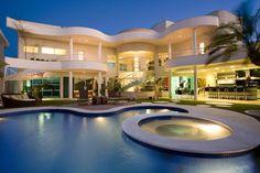 Belle homes & Estates Inserzioni - case di lusso Mansion Interior, Luxury Homes Interior, Luxury Apartments, Villa Design, House Design, Cool Swimming Pools, Swimming Pool Designs, Dream Mansion, Dream Homes