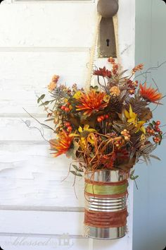 DIY Autumn : DIY Easy Fall Flower Can Door Decor