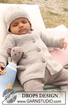 "Free pattern: DROPS jacket, pants and hat with rib and crochet bear in ""Merino Extra Fine""."