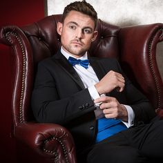 Got an event or party to attend over the Festive period? Make an entrance with one of our Dinner Suits or Tuxedos. Our ONESIX5IVE Slim Cut Dinner Suit is ideal for a Christmas Dance and has a more subtle look and modern cut where our Charlton Gray Dinner Suit has a classic cut, traditional satin lapels and is a great value Dinner Suit. Complete the look with an Evening Shirt and Bow Tie. Shop now…