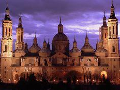 Basilique de Nuestra Señora del Pilar (Notre-Dame du Pilier) – Saragosse, Aragon (Espagne) – Crédit Photo: Sifro González via Flickr
