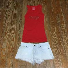 Hollister Shorts Size 3 & VS Top Size Small Hollister Distressed Shorts Size 3 & VS Long Top Size Small Hollister Shorts Jean Shorts