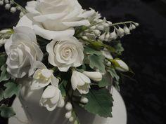 Sugar Flowers on wedding cake