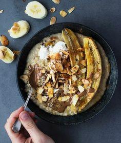 recette porridge, aux bananes frites, chocolat, et amandes grillées, idée comment préparer un porridge maison