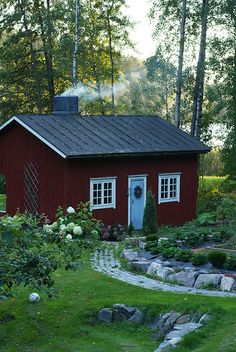 // Swedish Cottage, Red Cottage, Swedish House, Cottage Exterior, Interior And Exterior, Scandinavian Cabin, Cabin Plans, Tiny House, Home And Garden