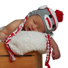 Melondipity Sweet Sock Monkey with Braids Baby Hat Grey and Red 6-12 Months Melondipity Baby Hats http://www.amazon.com/dp/B007ZQ8KTK/ref=cm_sw_r_pi_dp_5Poaub0H44HNR