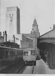 Dingle-bound train at James St Station 1935 Liverpool History, Southport, Old Photos, Big Ben, The Past, City, Building, Trains, Old Pictures