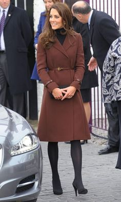 Kate Middleton shines in another high street fashion hit. Head here for the full story x bit.ly/zZPUoV