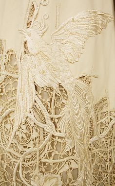 Detail of silk dress, 1904, American. Beige lace... spectacular!