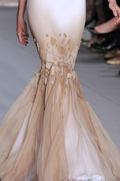 STEPHANE ROLLAND gown details,