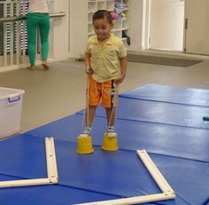 Toddler time - some gym-activities Gross Motor Activities, Movement Activities, Gross Motor Skills, Preschool Activities, Preschool Gymnastics, Kids Motor, Pe Ideas, Brain Gym, Yoga For Kids