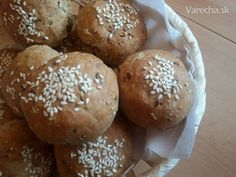 Domáce špaldové žemličky Russian Recipes, Hamburger, Polish, Bread, Baking, Food, Basket, Diet, Bread Making