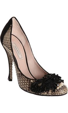 Nina Ricci Embellished Python Pump- $489 Design works No.1977 | Fashion design shoes