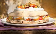 Que tal uma receita de pavlova de frutas pra deixar a mesa linda e os convidados suspirando?