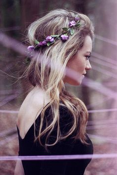 Tiara de flores, super romântica.
