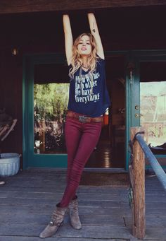 Get this weekend look: pair a wine-coloured or mulberry skinny pant with a fun slogan t-shirt. Accessorize with suede boots and a chunky belt.