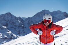 Sporty in the front, sleek at the back: this cosy, functional down jacket has you covered with superior insulation and great style. Feeling Great, How Are You Feeling, Skiers, Fur Jacket, Insulation, Feel Better, Feminine, Sporty, Game