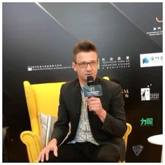 Jeremy Renner meeting the press at IFFAM 2nd International Film Festival & Awards • Macao, 8 to 14 Dec 2017. #renner4real #jeremyrenner #iffam #macao #iffamacao #china #Hongkong #awards #talent #young #asia #hongkongfilm #chinafilm #IFFAM #IFFAM2017 #第二屆澳門國際影展暨頒獎典禮 #銀幕盛宴戲象一新 #ANewAvenueToTheWorldOfFilms #CollaborationGroup #windrivermovie #press