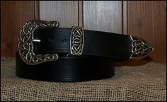 Handmade Leather Belt. A 4 centimeter wide,  filigree silver, rope edged, 3 piece buckle set, shown on a black leather belt | Decuero Leather