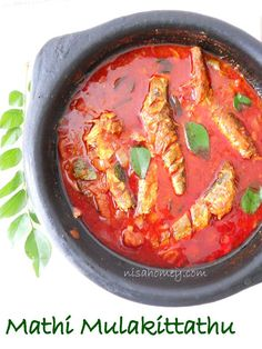 Mathi Mulakittathu, Malabar Fish Curry is an easy and quick fish curry made with sardines and tomatoes.step by step tutorial. Fun Easy Recipes, Veg Recipes, Curry Recipes, Seafood Recipes, Indian Food Recipes, Cooking Recipes, Keema Recipes, Prawn Recipes, Recipies