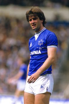 Kevin Ratcliffe of Everton in Retro Football, Football Shirts, France Euro, Der Club, Everton Fc, England, Kicks, Running, Sports