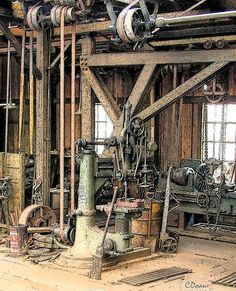 Machine shop | Radial drill press | CD01 | Flickr Antique Tools, Old Tools, Vintage Tools, Ho Model Trains, Ho Trains, Woodworking Machinery, Woodworking Shop, Diorama, Metal Working Machines
