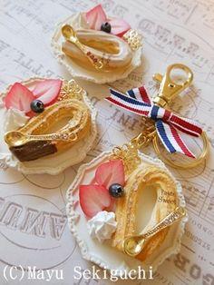 粘土で作るカップケーキのデコレーション   スイーツデコレーション✾パステルスイーツ✾(Pastelsweets) 関口真優のブログ Fake Food, Clay Miniatures, Miniature Food, Clay Jewelry, Polymer Clay, Projects To Try, Girly, Sweets, Deco