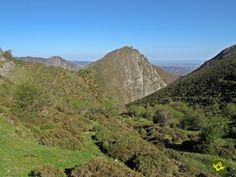 El GR 93 Tramo 3 Anguiano-Ortigosa de Cameros parte desde el Valle del Najerilla para, siguiendo antiguos caminos, llevarnos hasta el otro lado de las montañas, hasta el Valle del Iregua en la comarca de Los Cameros Riojanos.