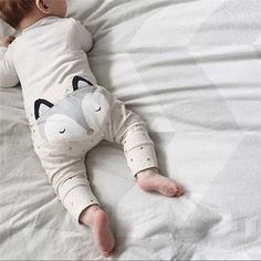 So cute for your dashing baby! Fox face printed on butt with 3D ears Polka dot print all over Cotton blend material @deuxpardeuxKIDS